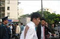 上海中介争抢房源互殴 打斗持续十余分钟