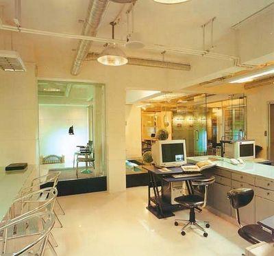 办公室装饰效果图 电话 办公桌 办公椅 装修效果图 室内摄
