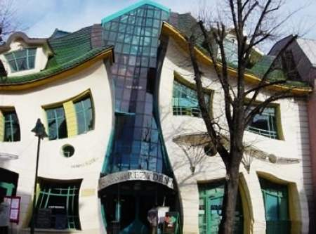 超现实主义的建筑艺术品