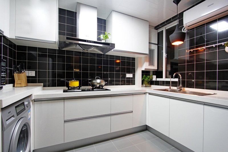 装修效果图大全2013图片:现代简约风厨房装修效果图
