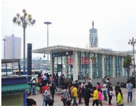 中国城镇人口_农村人口向城镇转移