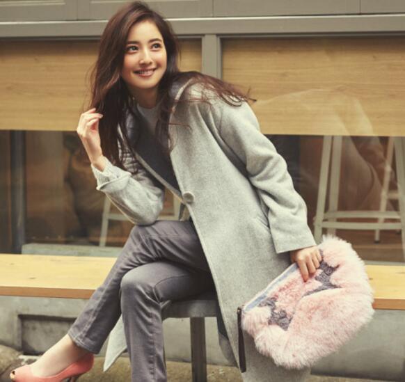 日本熟女电影网站_佐佐木希冬日大片 打扮时尚轻熟女风范
